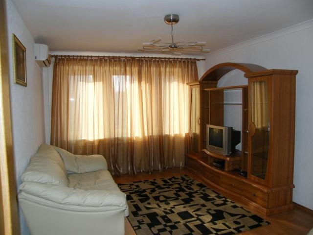1: квартира чистая, уютная, светлая